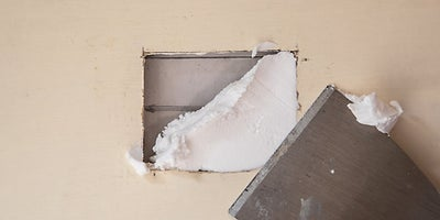 18.How-To-Repair-Walls-Small-Hole-11.jpeg