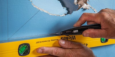 25.How-To-Repair-Walls-Large-Hole-6.jpeg