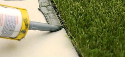 13.Laying_artificial_grass.jpeg