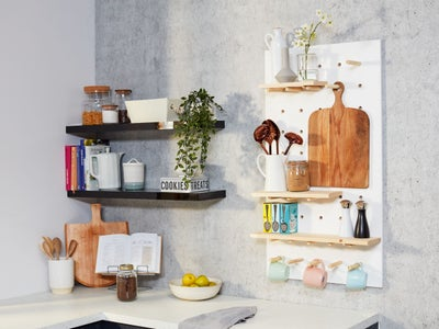 36._Peg_board_used_for_kitchen_storage.jpg