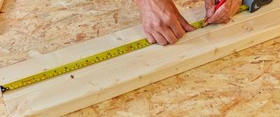 32.Measuring_timber.jpeg