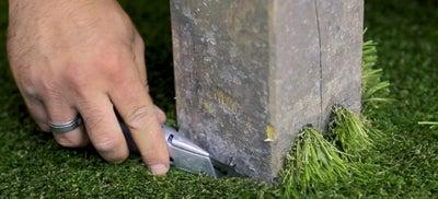 16.Laying_artificial_grass.jpeg