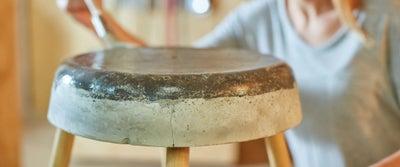 32.Concrete_Stool_Sealing_With_Varnish.jpeg