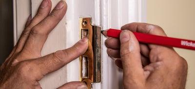 12How-To-Fit-Door-Locks-Mortice-Sashlock-7.jpeg