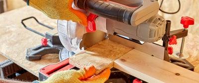 29.Cutting_timber.jpeg