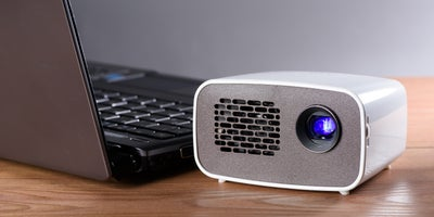 protable_projectors_ABC_entertaining_outdoors.jpg