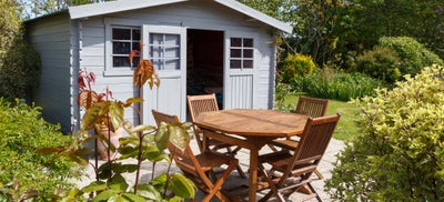 Outdoor_shed_and_table.jpeg