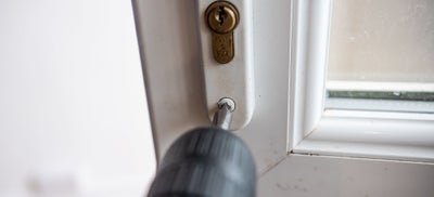 2.How-To-Fit-Door-Locks-Euro-Lock-2.jpeg