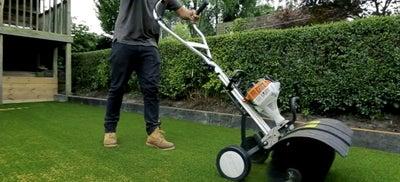 18.Laying_artificial_grass.jpeg