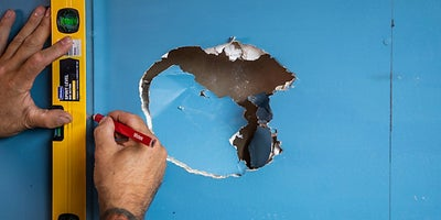 22.How-To-Repair-Walls-Large-Hole-3.jpeg