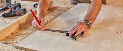 37.Measuring_timber.jpeg