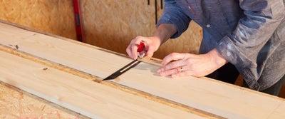 20.Measuring_timber.jpeg