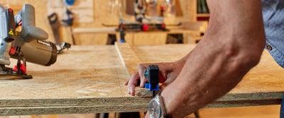 46.Measuring_timber.jpeg