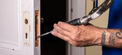 10-How-To-Fit-Door-Locks-Mortice-Sashlock-5.jpeg