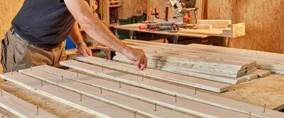 30.Inserting_wood_screws.jpeg