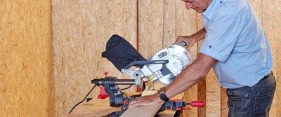 9._Cutting_timberboard_with_circular_saw.jpg