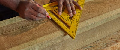 Step12_Measuring_Timber_with_Quick_Square.jpeg