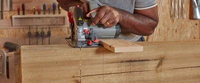 Step21_Cutting_Timber_With_Circlesaw.jpeg