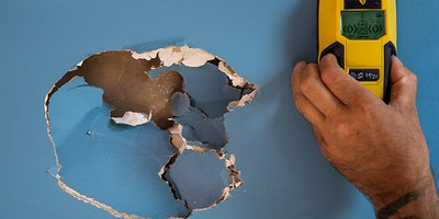 20.How-To-Repair-Walls-Large-Hole-1.jpeg