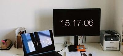 3.Desk_with_laptop.jpeg