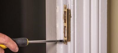 13-How-To-Fit-Door-Locks-Mortice-Sashlock-8.jpeg