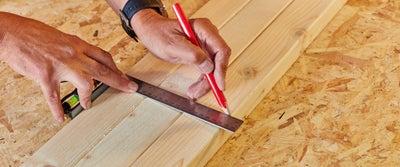 33.Measuring_timber.jpeg