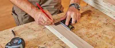 26.Measuring_timber.jpeg