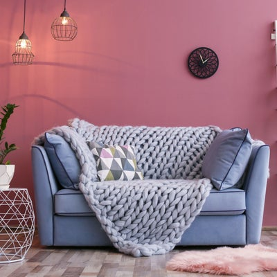 Grey_sofa_against_pink_wall_choosingcolour4.jpeg