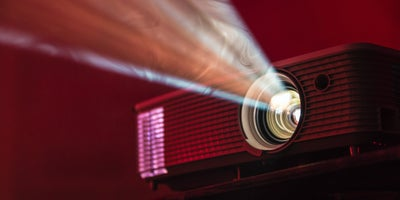 smart_projector_ABC_entertaining_outdoors.jpg