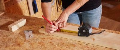 8.Measuring_timber.jpeg