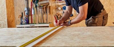21.Measuring_timber.jpeg