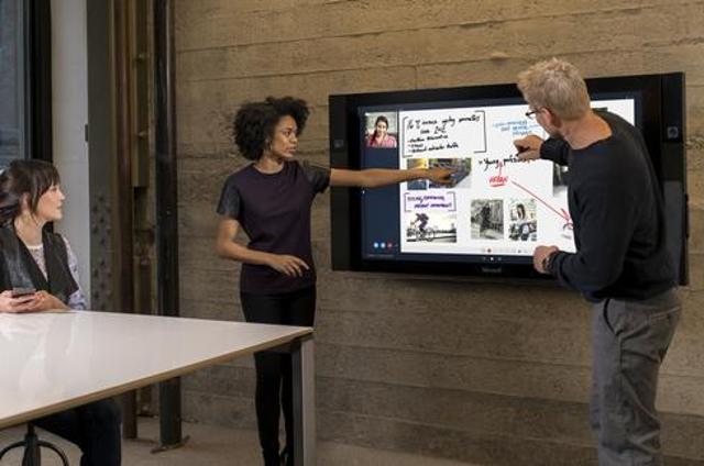 Skype For Business, Surface Hub