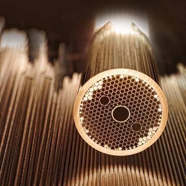 Hollow-core optical fiber