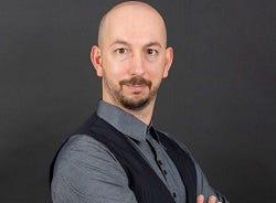 Nick_Galov-HostingTribunal.jpg