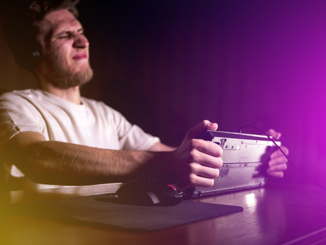 Beware of Scams While Playing and Buying Games Online