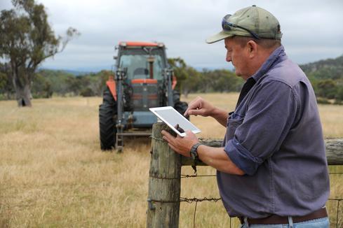 farmer-and-ipad.jpg