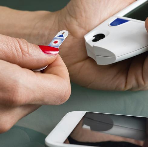 healthcareIT_glucosemonitor.jpg