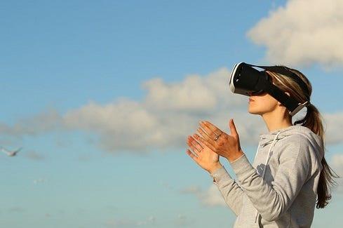 virtual_reality-pixabay.jpg