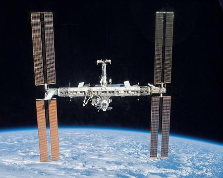 ISS Milestone: 10 Images From 100,000 Orbits