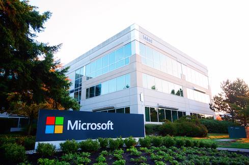 Microsoft's Mobile Roller Coaster Ride: 9 Contributing Factors