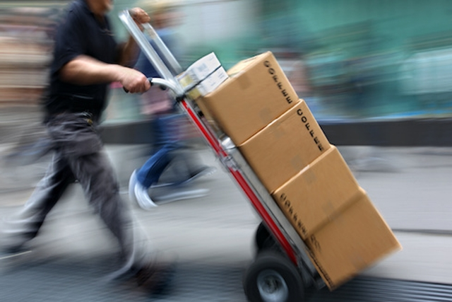 'AMAZON: Your Order no #812-4623 might ARRIVED'