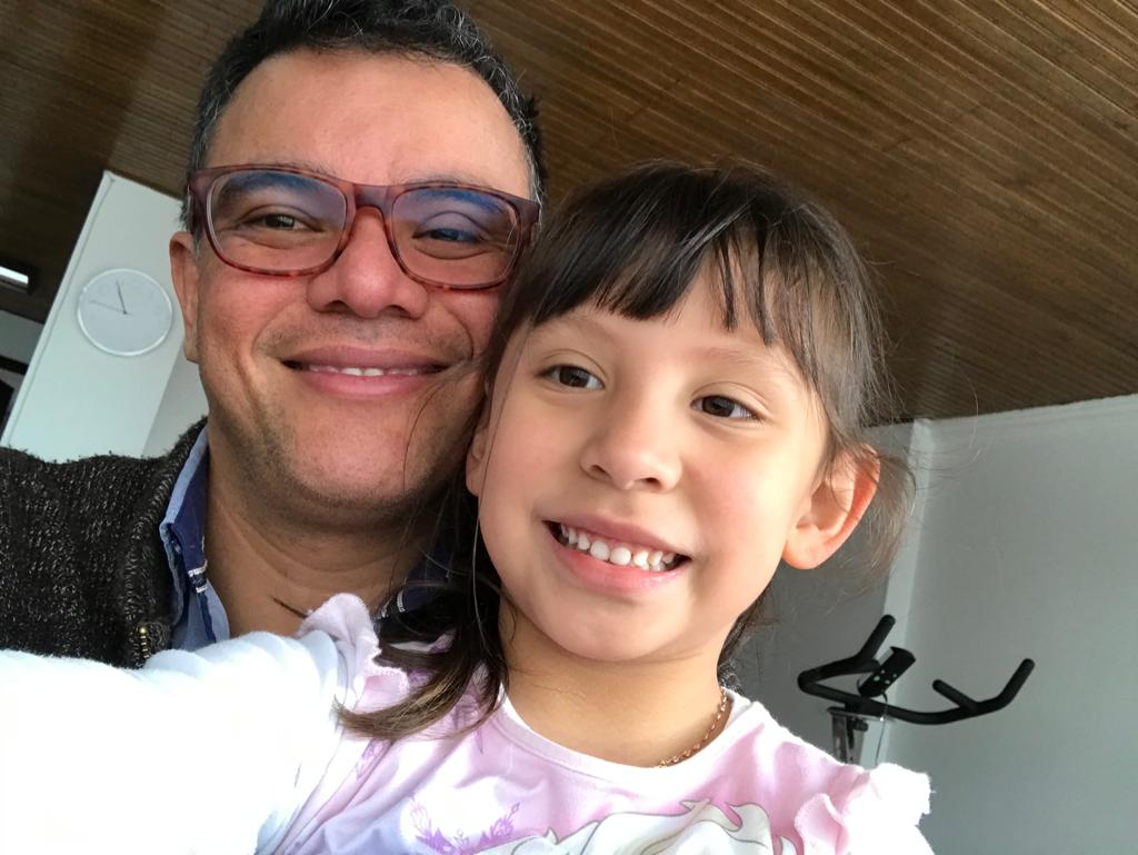 Sergio_and_his_daughter.png