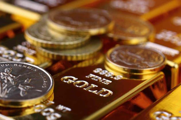 Precio del oro encuentra soporte en debilidad del USD ¿Qué esperar para el futuro del metal dorado?