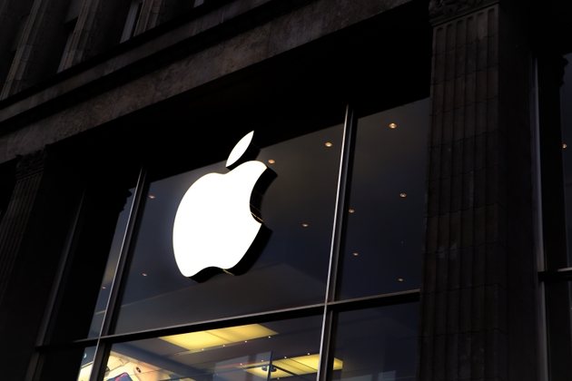 Earnings Preview: Market darling Apple to continue its ascent higher?