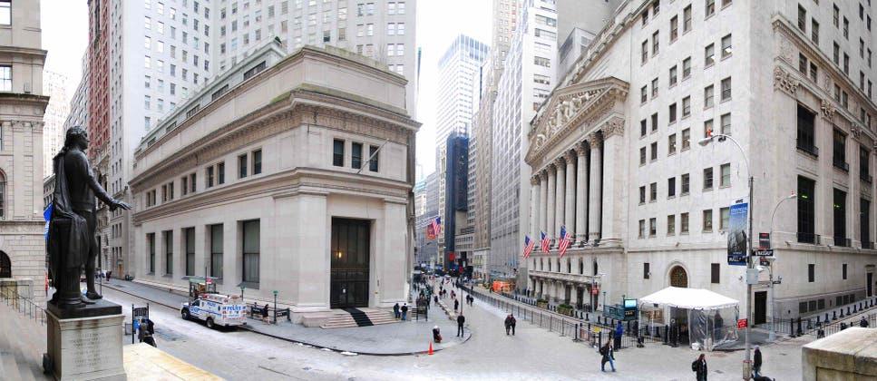 S&P 500 tropieza y tambalea al filo del territorio de corrección