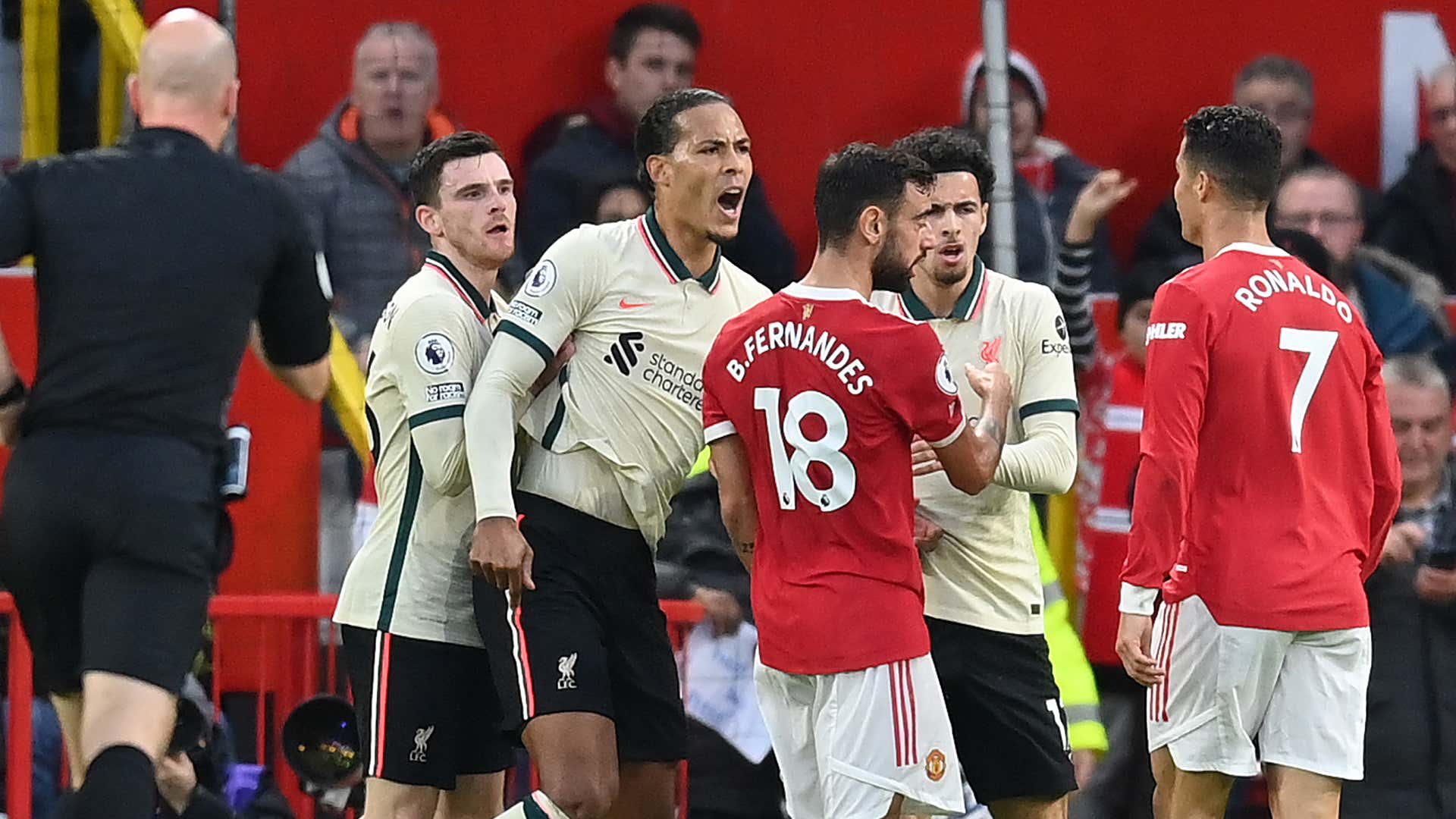 """Manchester United - Kritik für Cristiano Ronaldo wegen Tätlichkeit gegen Liverpool: """"Hässliche Geste""""   Goal.com"""