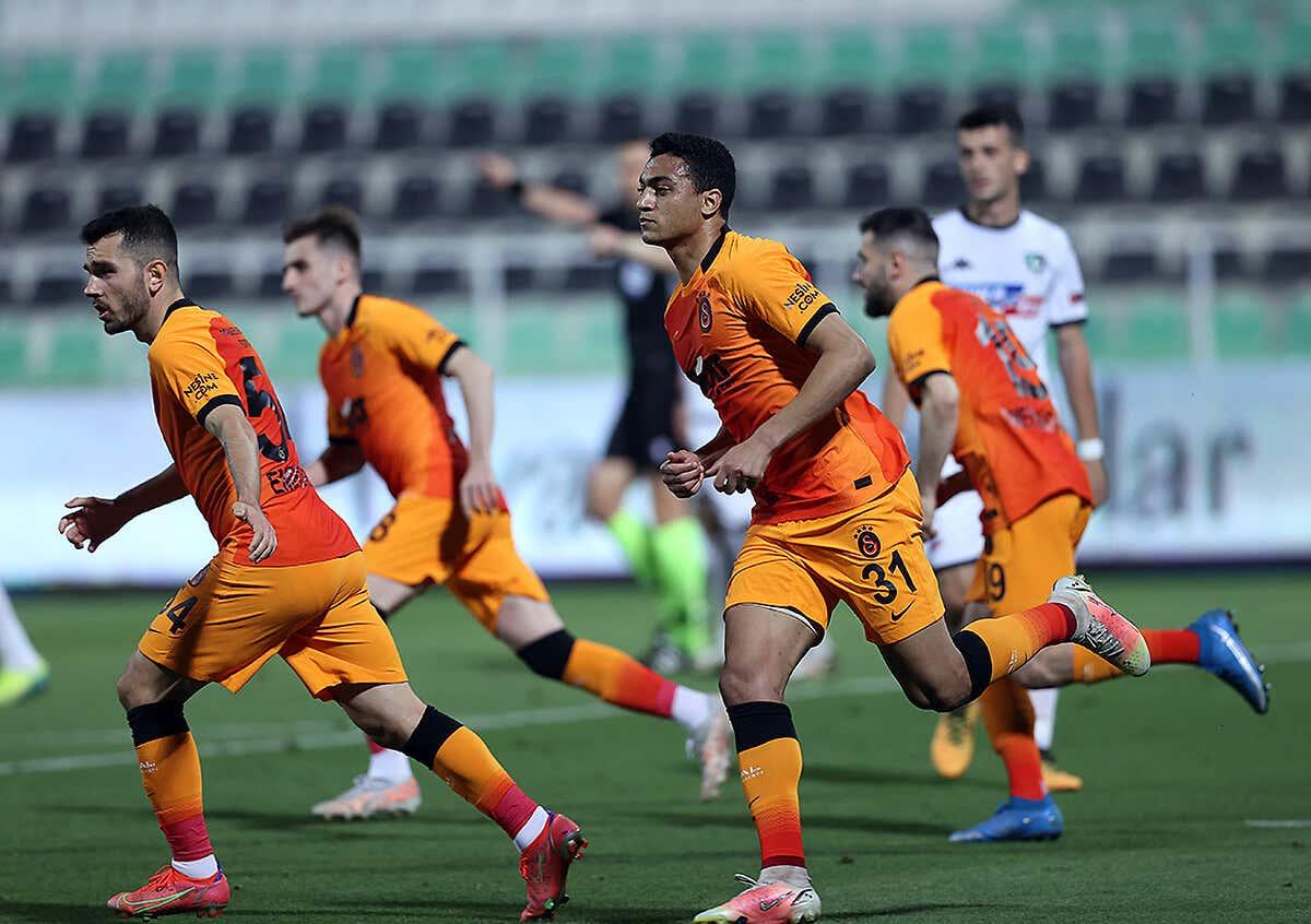 Mostafa Mohamed propels Galatasaray past Konyaspor